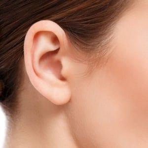 cirugía de reconstrucción de orejas con lóbulo rasgado Gandia Dr.Moltó