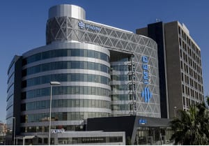El Dr. Moltó opera en el Hospital IMED de Valencia
