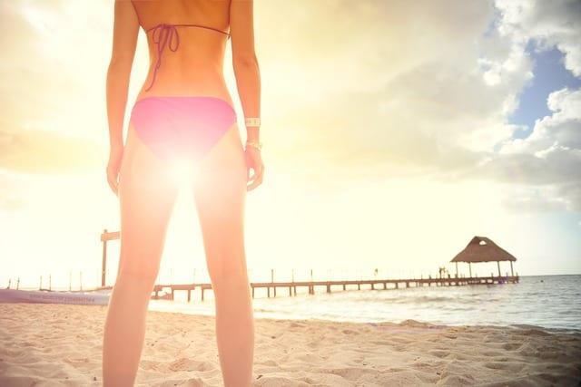 imagen de una mujer con unas piernas perfectas. Lifting de piernas Dr. Moltó