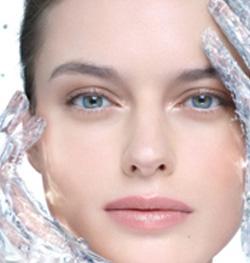 rostro terso y rejuvenecido con ácido hialurónico