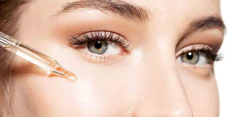 rejuvenecimiento facial con rellenos de ácido hialurónico.