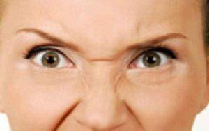 """detalle de las arrugas llamadas """"de conejo"""" que se pueden tratar con botox."""
