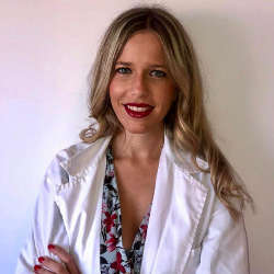 Dra Maria Peris especialista medicina estetica Gandia
